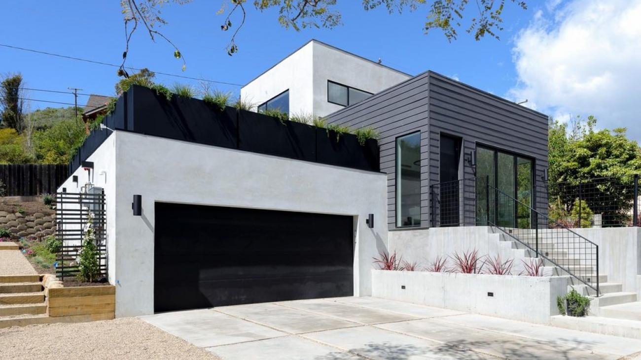 To visually represent a Santa Barbara style home done by Ashton & Hope, contractors in Santa Barbara, CA